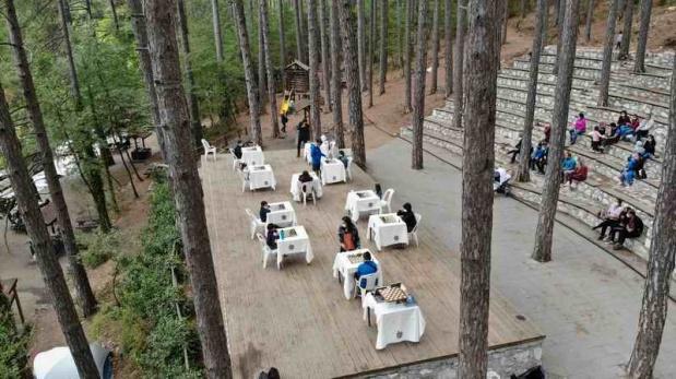 Ayazma Milli Parkı'ndaki satranç buluşması heyecan yarattı