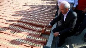 Kılıçdaroğlu, Adalet Anıtı'na tuğla koydu