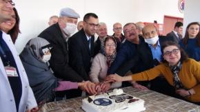 Nakille hayata tutunanlara yılbaşı pastası