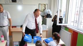 Başkan Işık#039;tan öğrencilere sürpriz hediye