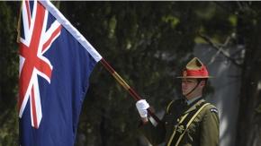 Fransız ve İngiliz anıtlarında tören
