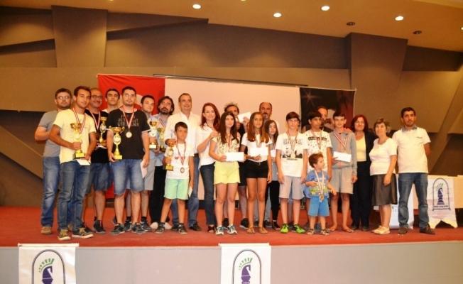 10. Ayvalık Satranç Turnuvası şampiyonları belli oldu