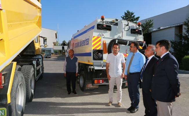 Atatürk Üniversitesi araç parkını yeniliyor