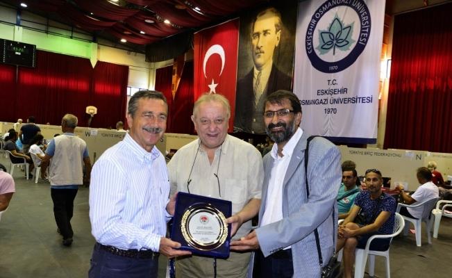 Başkan Ataç'a 'Teşekkür' plaketi