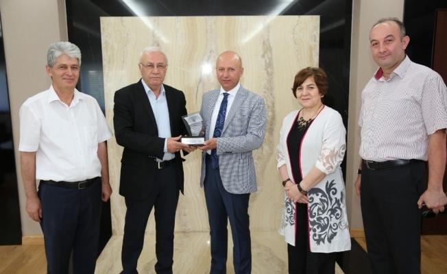 Birleşik Kafkasya Derneğinden Çolakbayrakdar'a teşekkür ziyareti