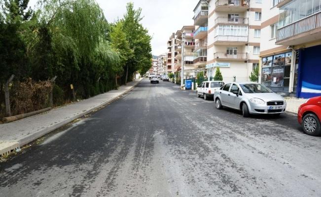 Bozüyük'te asfaltlama çalışmaları sürüyor