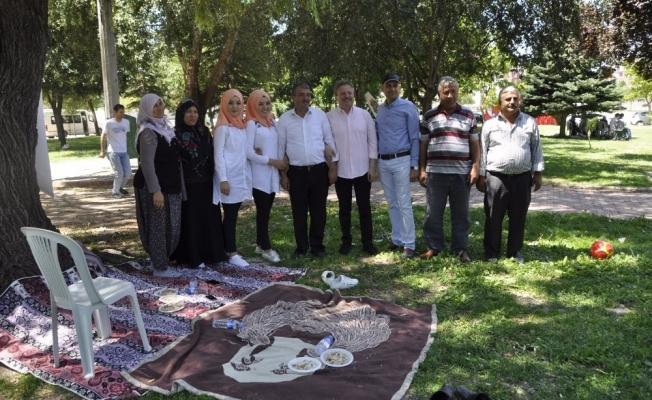 Şehit aileleri ve gaziler piknikte bir araya geldi