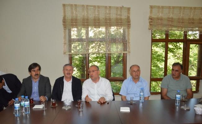 AK Parti Koordinatörü Halil Özyolcu, Hakkari'de