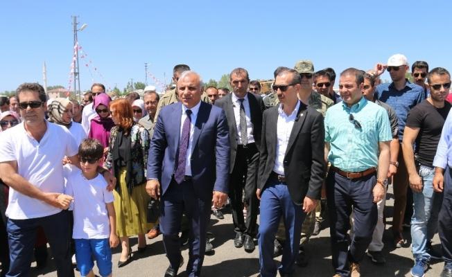 Edremit Belediyesinin 'Olimpik Binicilik Merkezi' hizmete açıldı