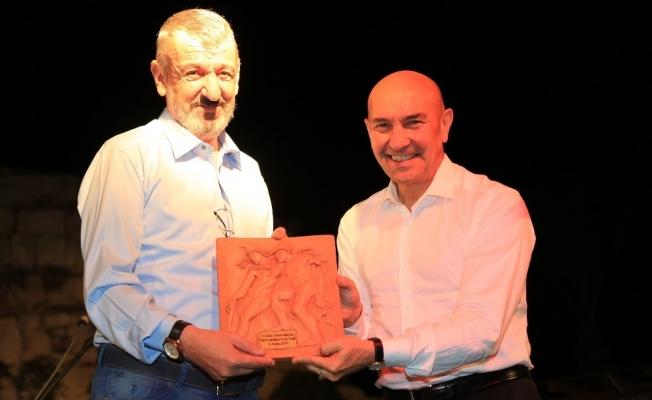 Gaziemir Belediyesine 'Sanat' ödülü