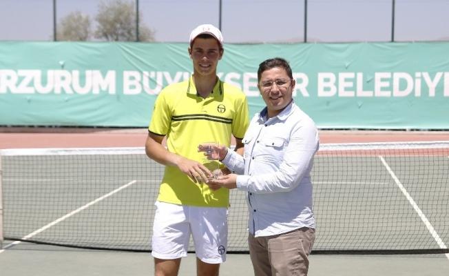 Kardelen Cup'ta şampiyon Lucas Catarina oldu