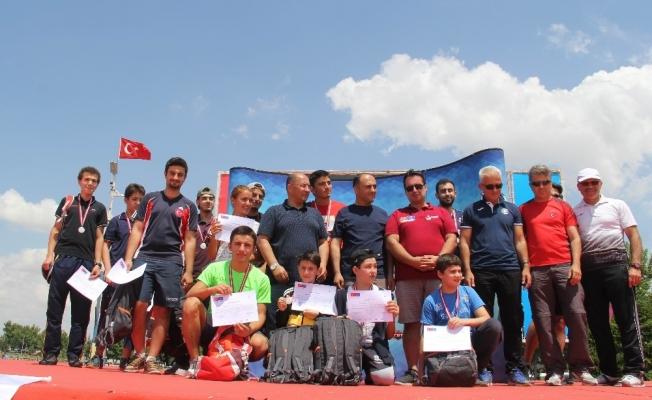 Su elçileri Beyşehir'de yarıştı