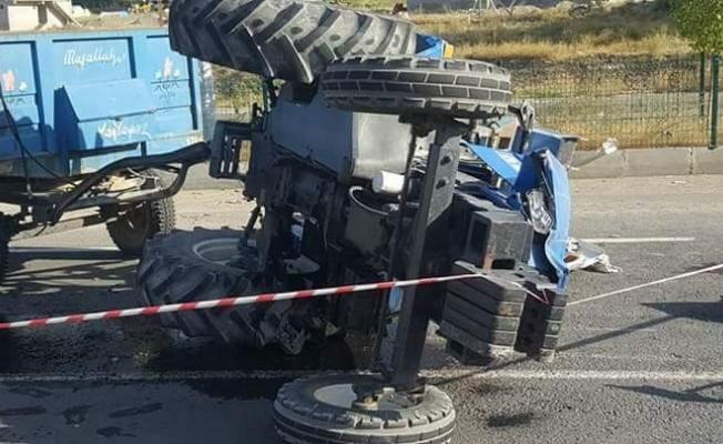 Tutak'ta traktör devrildi: 1 ölü, 2 yaralı
