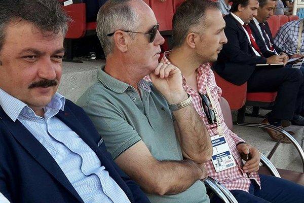 Uslu Dardanelspor'u yalnız bırakmadı