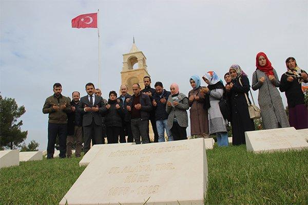 Türkiye'nin gönlünü fetheden madenciler  Çanakkale Şehitliklerinde