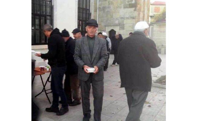 Gelibolu'da cemaate çorba ikramı