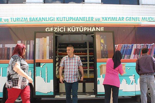 AK Partili Gider'den, kitapseverlere müjde; Kitaplar, köy köy gezecek
