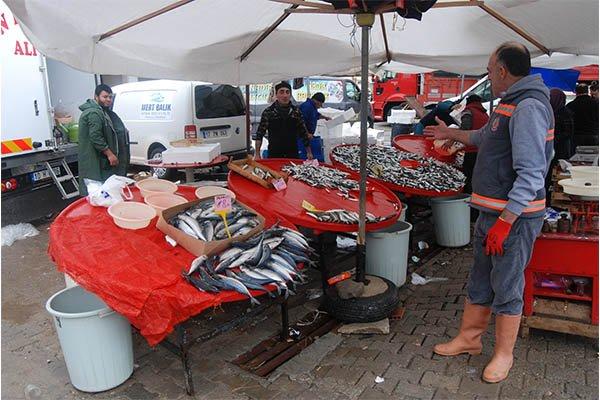 Balık fiyatları pahalı ama ilgi yüksek