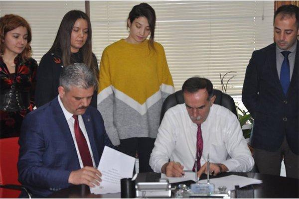 Eceabat'ta imzalar atıldı