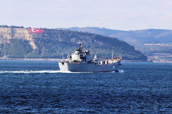 'Orsk' adlı Savaş Gemisi  Çanakkale Boğazı'ndan geçti