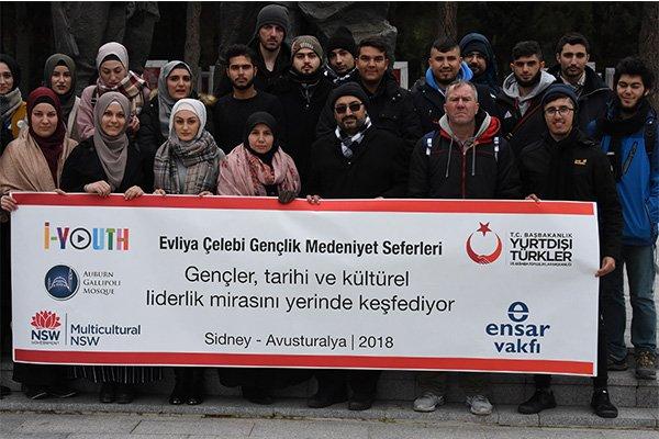 Avustralya'daki Türkler, şehitliklerde buluştu