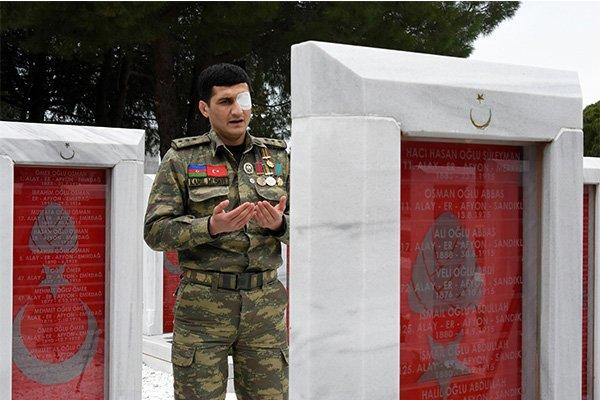 Azerbaycanlı gaziden Mehmetçiğe destek