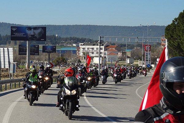 3 bin motosikletli şehitlikleri ve anıtları ziyaret etti