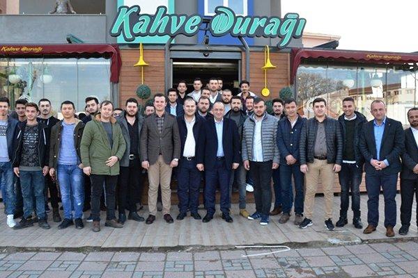 AK Partili Gider, gençlerle bir araya geldi