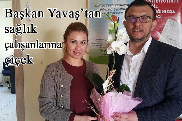 Başkan Yavaş'tan sağlık çalışanlarına çiçek