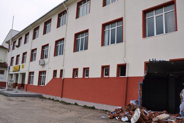 Çanakkale'de hırsızlar okulu soydu