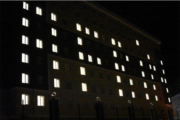Yurt öğrencilerinden oda ışıklarıyla 'Afrin' mesajı