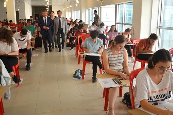 Öğrenciler sınavlarda ter döktü