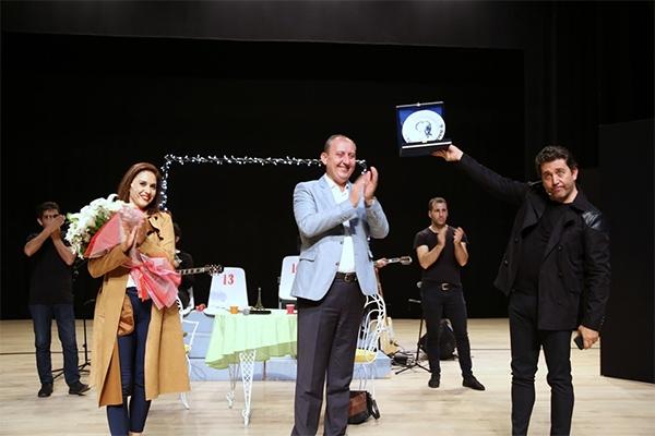 Emre Kınay'dan kahkaha tufanı