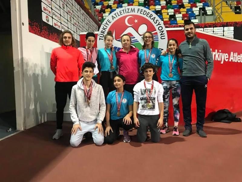 Atletler, İstanbul'dan madalyalarla döndüler