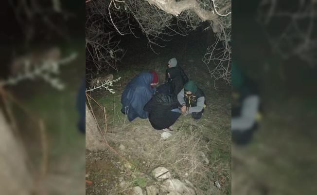 Ayvacık'ta 14 kaçak göçmen yakalandı