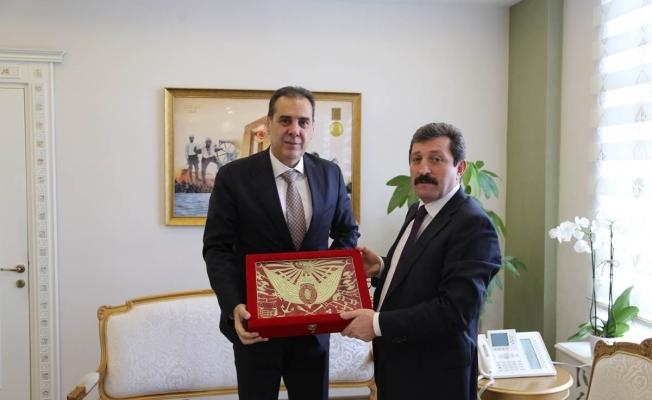 Karakoç'tan Valiliğe ziyaret