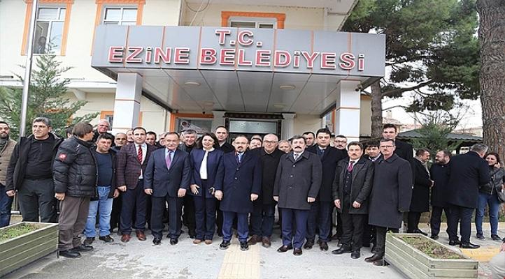 Vali Tavlı Ezine Belediyesini ziyaret etti