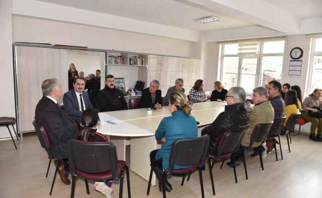 Başkan Gökhan'dan Arıburun İlkokulu'na ziyaret