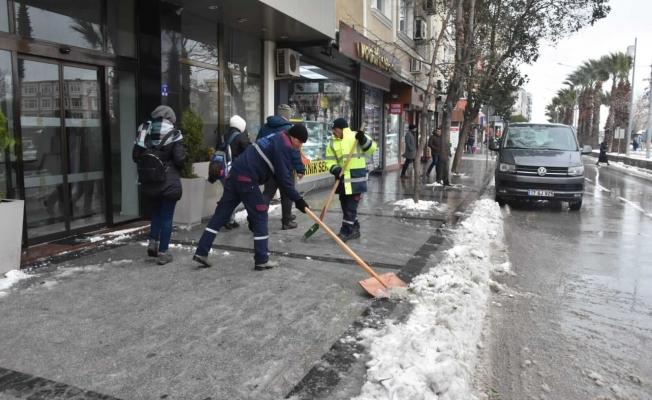 Belediye ekipleri görev başında