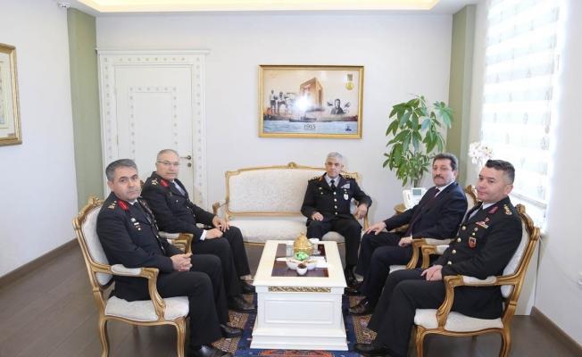 Çetin'den Valiliğe ziyaret