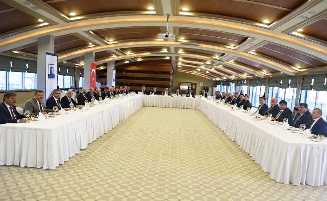 İl Genel Meclisi Üyelerine veda yemeği
