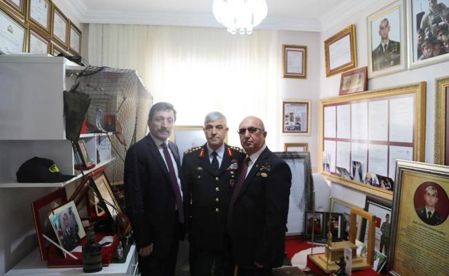 Orgeneral Çetin'den Şehit ailesine ziyaret