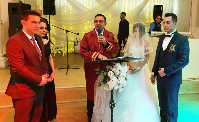 Erdoğan, çiftin mutluluğuna ortak oldu