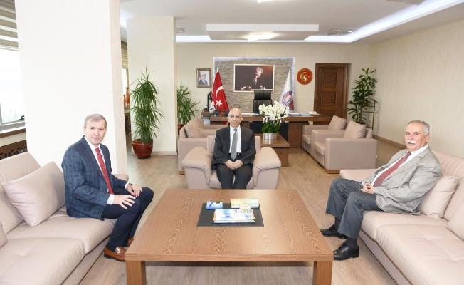Başkan Gökhan'dan Rektör Murat'a nezaket ziyareti