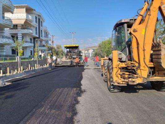 Küçükkuyu'da yollar asfaltlanıyor