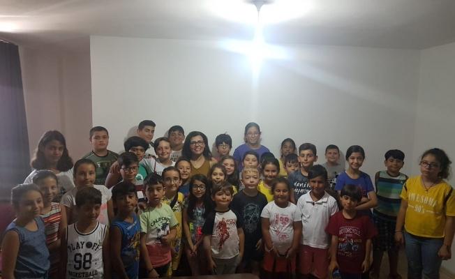 Prof. Dr. Hatice Gülen çocuklarla buluştu