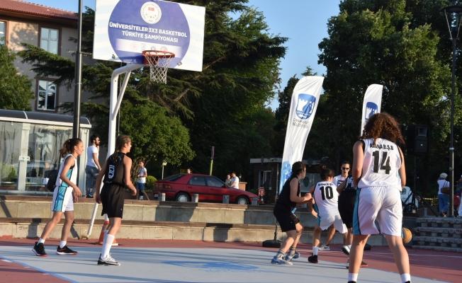 Adana Büyükşehir Basketbol Takımından gösteri maçı