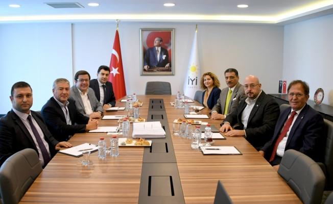 CHP ve İYİ Parti heyetleri buluştu