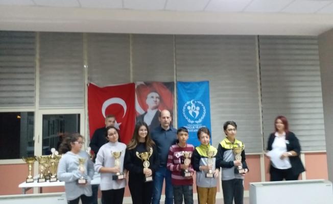 Çanakkale Belediyespor'a 2 Kupa 2 Madalya
