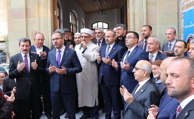Çarşı Camii ibadete açıldı